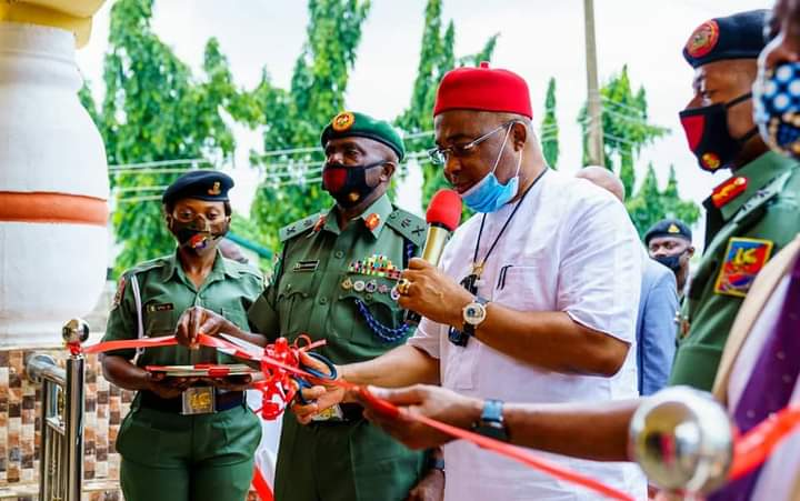 GOV. UZODIMMA COMMISSIONS PROJECTS AT 34 FIELD ARTILLERY BRIGADE OBINZE, SPEAKS ON ONGOING REFORMS IN IMO CIVIL SERVICE