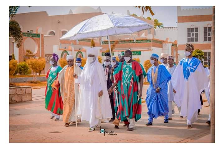 Mammoth Crowd Welcome Emir of Kano, Aminu Ado Bayero On  Royal Visit To Ilorin