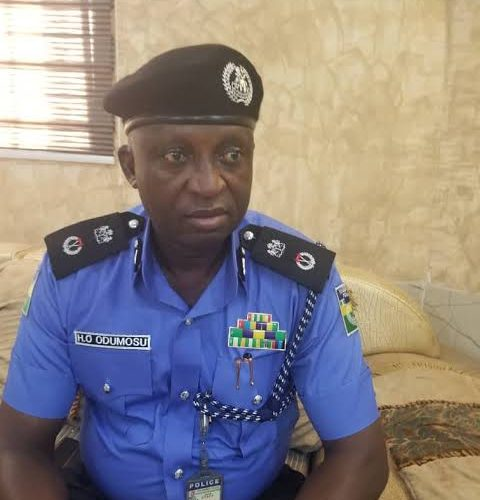 EndSARS: 56 Suspects Allegedly Escape SARS Cell in Lagos…Police Denies; As Orile DPO, Others Escape Death Over Thugs Attack At Station.