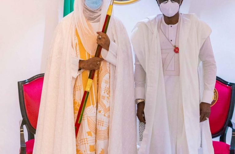 EMIR OF KANO SYMPATHISES WITH SANWO-OLU, OBA OF LAGOS OVER DESTRUCTION
