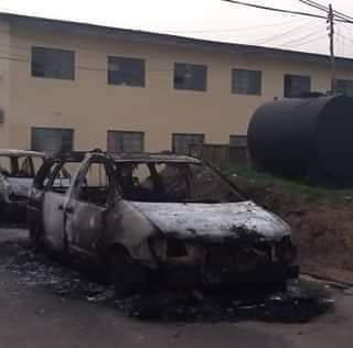 He is Risen! Go Home…Unknown Gun Men Shout, As They Set Over 2000 Inmates And Detainees Free in Owerri Prison/Police Command In  3Hours Gun Battle