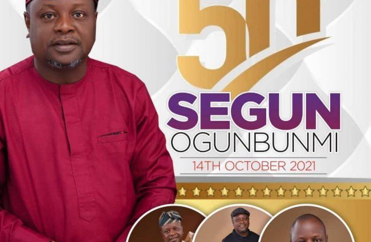 Oluwaseun Fabiyi rejoices with Ace Journalist, Otunba Segun Ogunbunmi On His 50th Birthday.